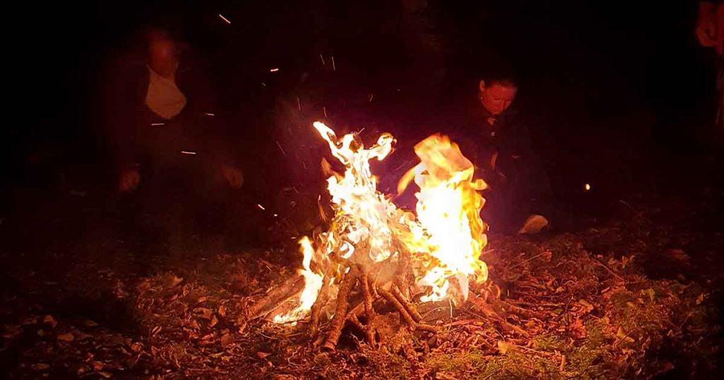 Feu du sacrifice, feu de la Fête d'Aesus
