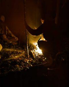 Ovate devant le feu du sacrifice